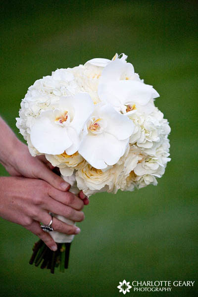 Bouquet of white orchids and roses