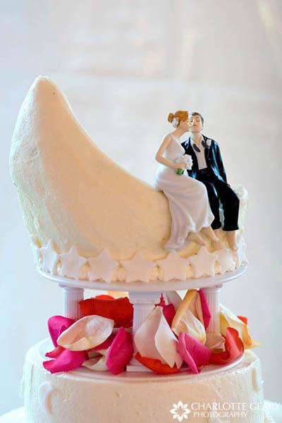 cake topper sitting