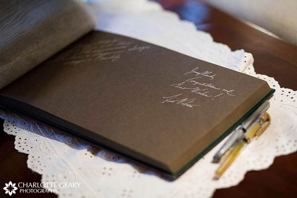 Guestbook with brown pages and metallic pens