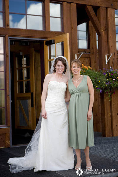 Bridesmaid in light green dress