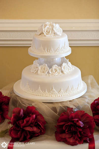 Cake with white sugar flowers