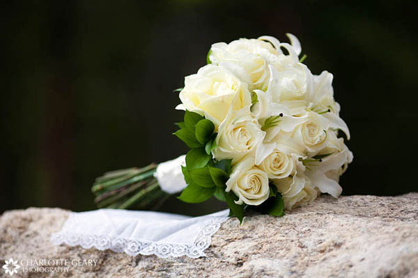 White bouquet of roses and lilies