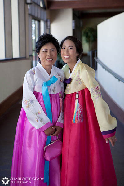 Bride and her mother in Korean han-bok dresses