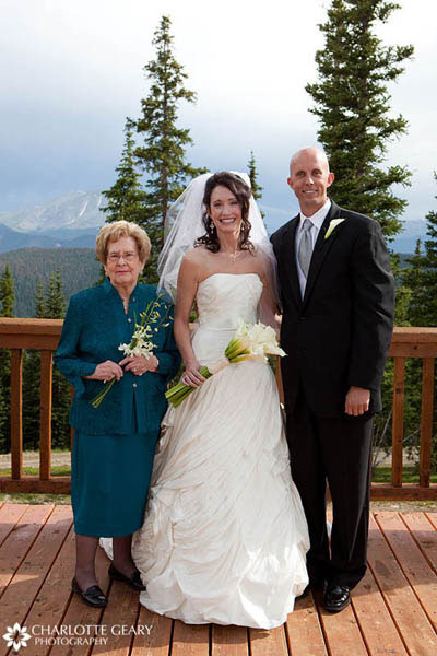 Grandmother of the bride in teal dress