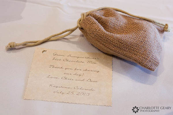 Hot chocolate wedding favor in a burlap bag