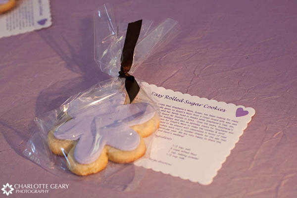 Sugar cookie wedding favors with recipe cards