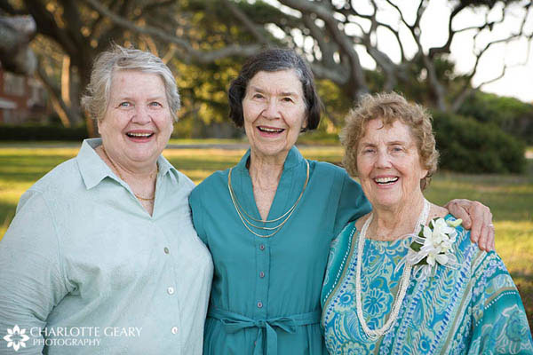 Mother and aunts of the bride in turquoise